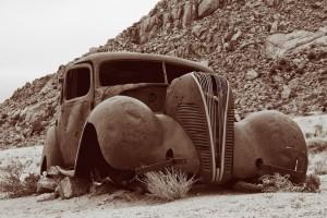 auto-woestijn_sepia (LIRKopie)